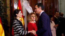 Sánchez mete en la Constitución la negociación con ERC y la solución catalana