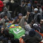 Thousands flock to funeral of 2 teenage Kashmir rebels