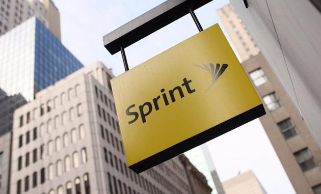 Sprint cuts 2,000 jobs as its new CEO takes the reins