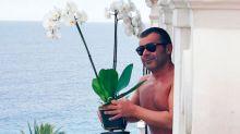 Jorge Javier Vázquez incendia las redes sociales con su posado veraniego