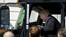 Trump to enlist truckers to help sell his tax plan