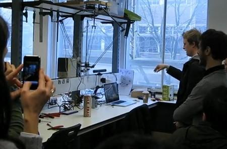 Kinect hack turns Arduino-controlled delta robot into aggressive claw crane (video)