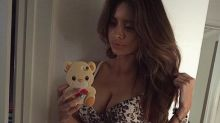 Model Shows Off Flat Stomach (and Six Pack) Days After Birth