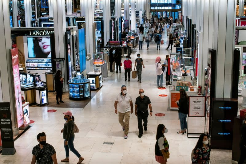 U.S. consumer confidence holds steady at a 17-month high in July