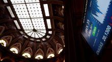 La Bolsa española baja el 0,96 % a mediodía pendiente del precio del petróleo