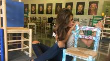 Sillas solidarias: Sara Carbonero, Pablo Alborán y más famosos ayudan a los refugiados