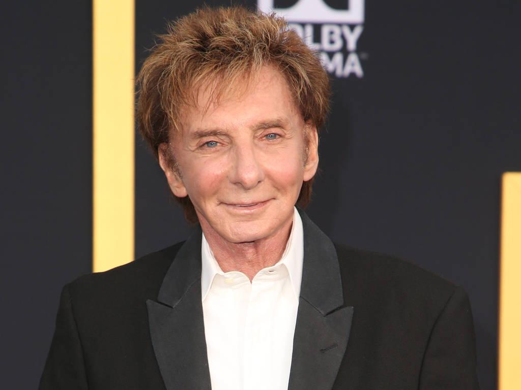 Is barry manilow a homosexual