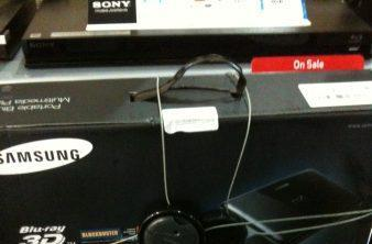 Samsung's portable BD-C8000 Blu-ray player spotted slumming it at retail