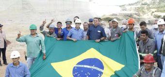 'L' de Lula ou arminha? Entenda a polêmica da foto