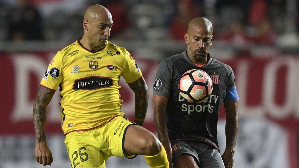 Libertadores: mesmo com Verón em campo, Estudiantes perde para o Barcelona