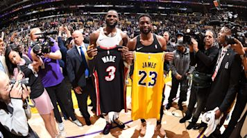 Wade, LeBron share embrace in final meeting