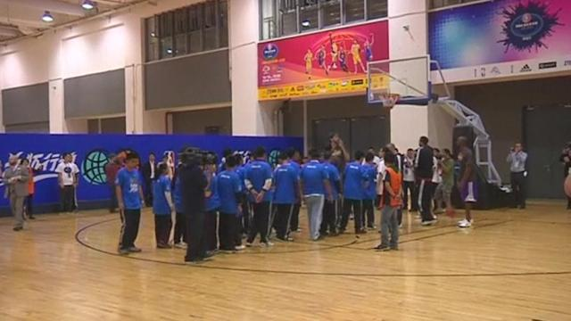 Lakers and Warriors train before NBA Global Games in Shanghai