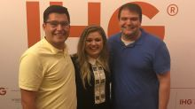 Kelly Clarkson helped this couple get engaged, and the pictures are adorable