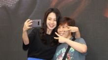Korean star Song Ji Hyo takes 'selcas' with Malaysian fans