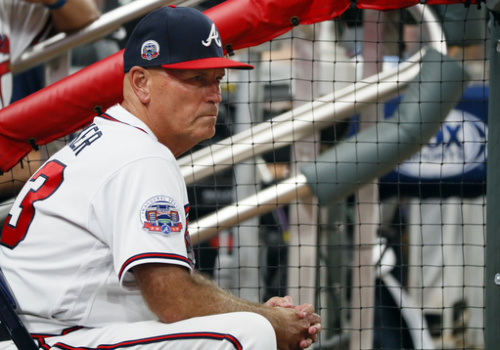 Brian Snitker gets another year as Braves manager. (AP)
