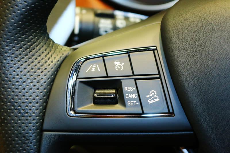 2018年式Maserati Levante仍就可選配ADAS先進駕駛輔助系統套件,包括車道偏離警告與車道維持輔助等輔助科技。