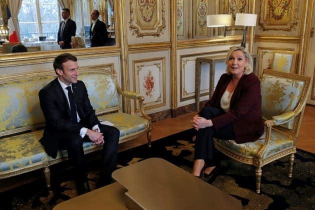 """Sécurité: droite et extrême droite accusent d'inaction Macron, """"président du chaos"""""""