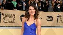 Mandy Moore is a vision in blue at the 2018 SAG Awards