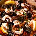Impress Your Friends With This Easy & Delicious Paella