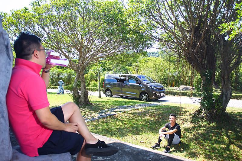 集商務與休閒等多重用途於一身的TRAVELLER領航家,堪稱超越一般SUV與MPV的終極休旅。