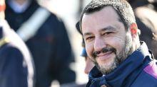"""Salvini e il voto su Rousseau: """"Dormo tranquillo"""""""