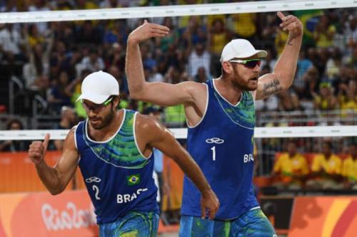 Alison e Bruno Schmidt levam título no Rio de Janeiro sem perder um set