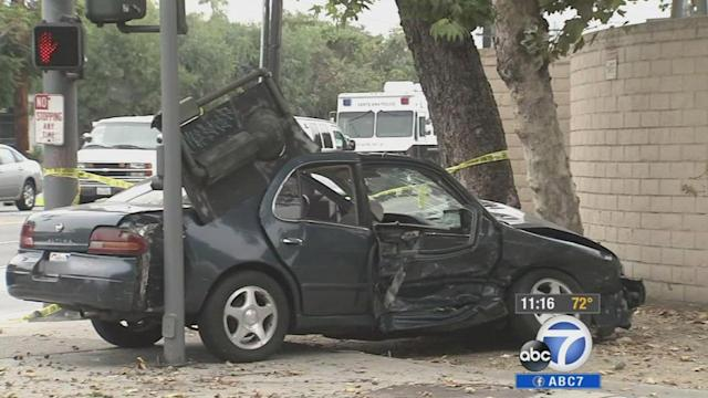 Santa Ana crash leaves 1 person dead, 4 others injured