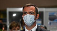 """Coronavirus: les personnes """"amenées à voyager"""" ne sont pas prioritaires pour les tests"""