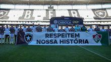 Fluminense e Botafogo protestam em semifinal: 'Respeitem nossa história'