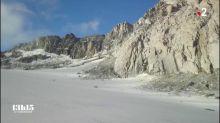 """""""C'est vraiment l'érosion en direct"""" : comment la hausse des températures fait s'écrouler la montagne par pans entiers dans le massif du Mont-Blanc"""
