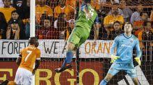 Sounders ponen un pie en la final de la MLS
