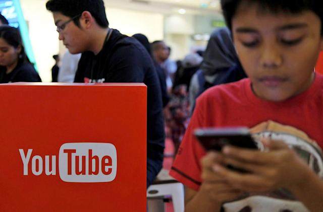 YouTube wants you to translate video descriptions