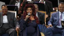 Did Chaka Khan tape lyrics to her fan for performance at Aretha Franklin's funeral?