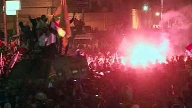 Morsi returns to presidential palace in Egypt