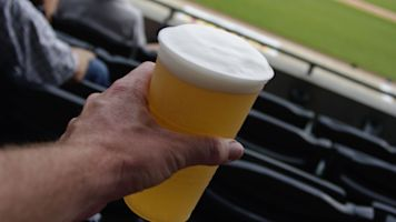 Fan sacrifices beer to steal homer for Padres