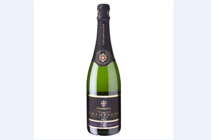 """<p><strong>Score: 2/5</strong></p>  <p><strong>""""Nice taste but not enough fizz.""""</strong><br /> <strong>""""It's harsh at the back of the throat.""""<br /> """"This one's rather flat for me.""""</strong></p>  <p></p>  <p>The Sainsbury's Taste the Difference might have been one of the priciest bottles of supermarket champagne but the tasters picked up on how quickly it went flat and scored it the same as the other bottle from Sainsbury's at 2/5.</p>"""