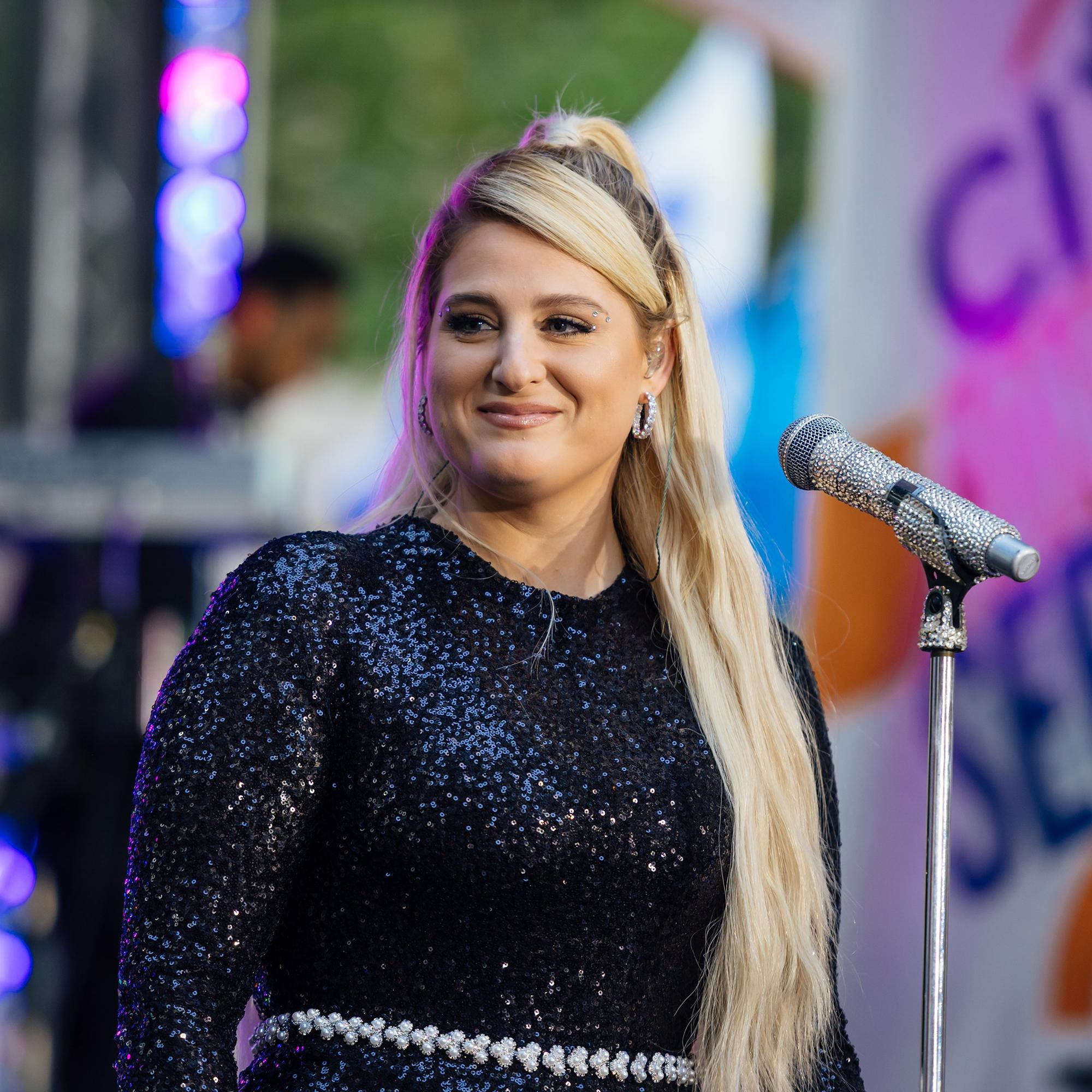 Meghan Trainor reveals her baby's gender to Kelly Clarkson