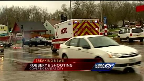 Police: 1 injured in shooting during robbery