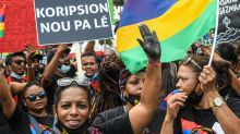 Mauritius oil spill: Thousands march in Port Louis