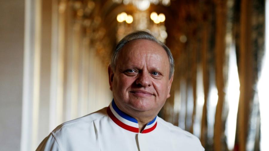 France: les toques du monde s'inclinent devant Joël Robuchon