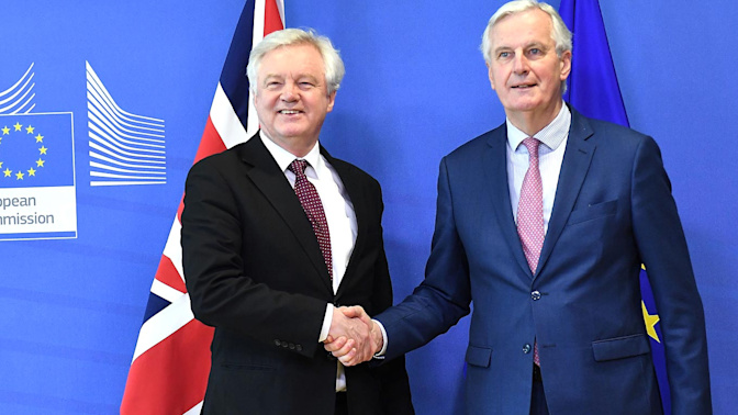UK and EU make breakthrough in Brexit talks