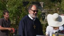 """Tournage : Jean-Pierre Darroussin en curé dans """"Les voeux"""" de Sarah Suco"""