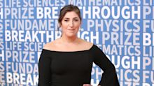 Newly single Mayim Bialik isn't doing so well on Christmas Eve