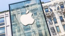 Staying 'bullish' on Apple despite sales warning: Munster