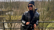 Rafaela Santos veste look 'pretinho básico' com bolsa de R$ 8 mil