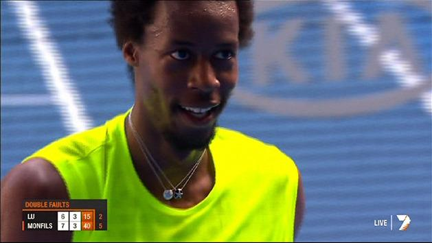 Funny moments: Monfils giggling attack