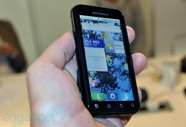 Motorola Defy: Android 2.1 goes rugged with water, dust and scratch resistance