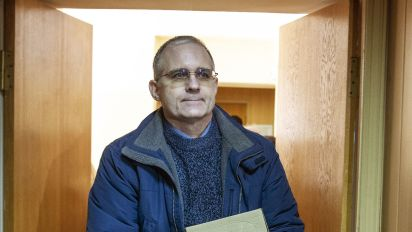U.S. man jailed in Russia appeals to Trump for help