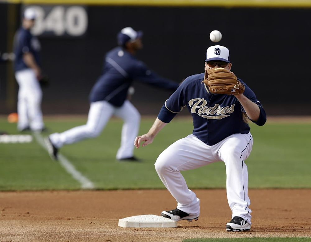 Padres 3B Headley out at least 2 weeks
