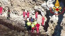 Tragedia a Oristano, cade dalla scogliere con la bici: morto 13enne